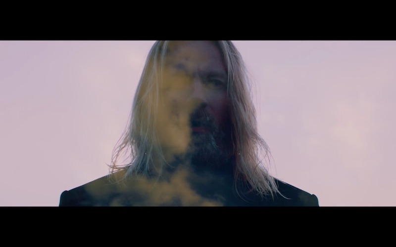"HÖGNI shares new video ""Crash"""