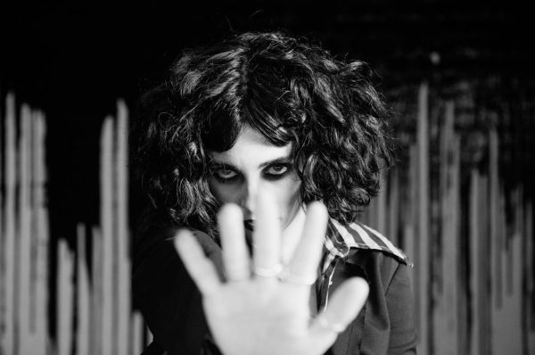 Pale Waves unveil video for new single 'Kiss'