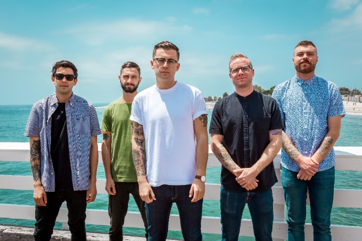 "SEAWAY STRIPS DOWN FOR ACOUSTIC RENDITION OF ""LULA ON THE BEACH"""