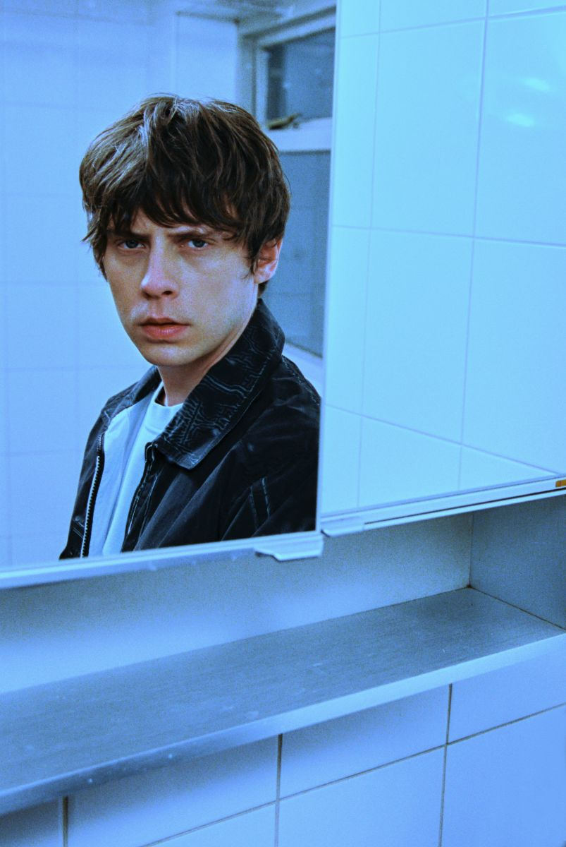 Jake Bugg is out of this world in video for new Steve Mac produced single 'Lost'
