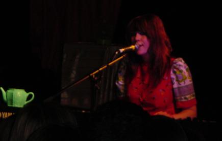 Kate Nash - Barfly